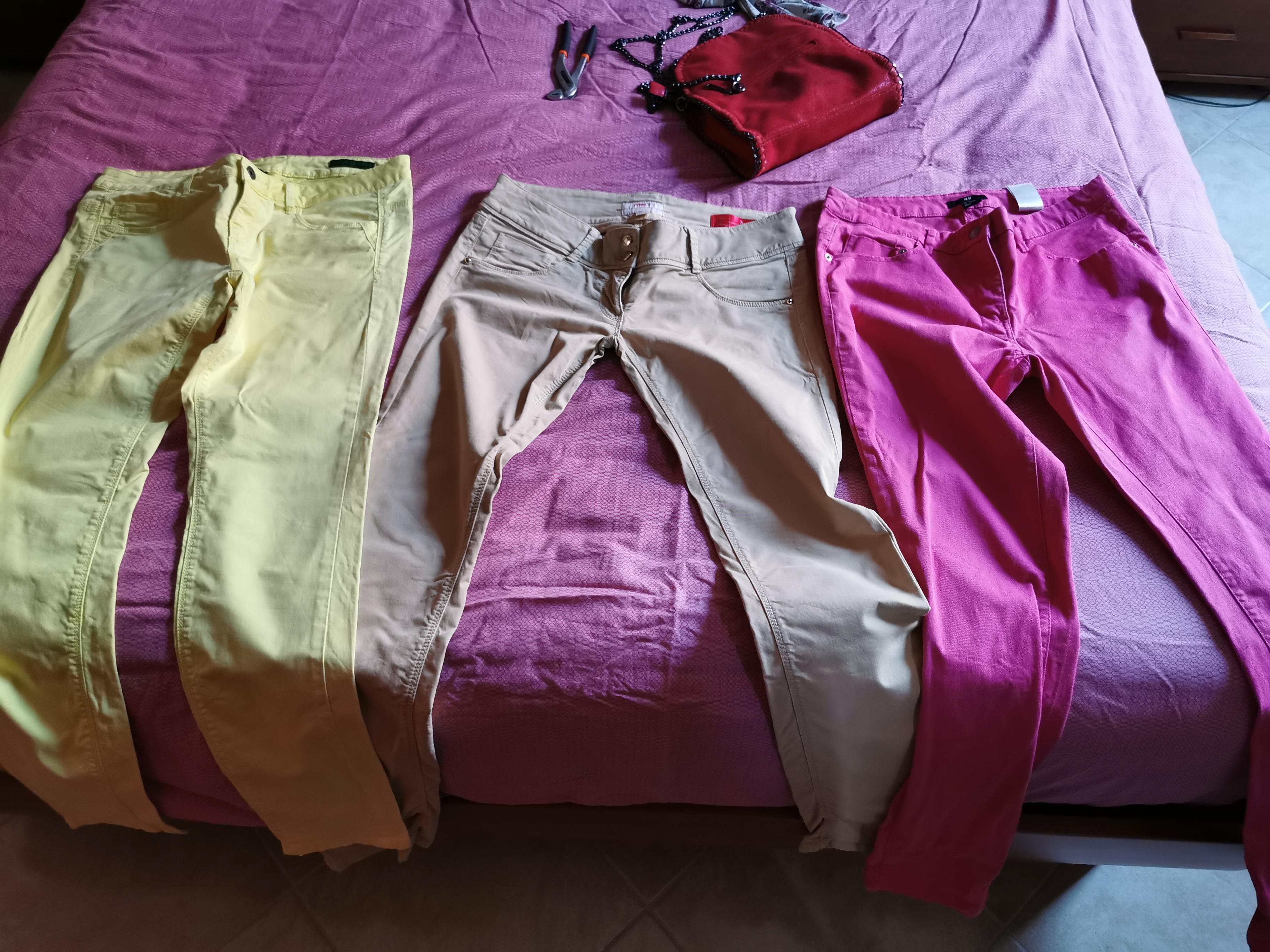 Vendo pantaloni tg42 a 15 euro