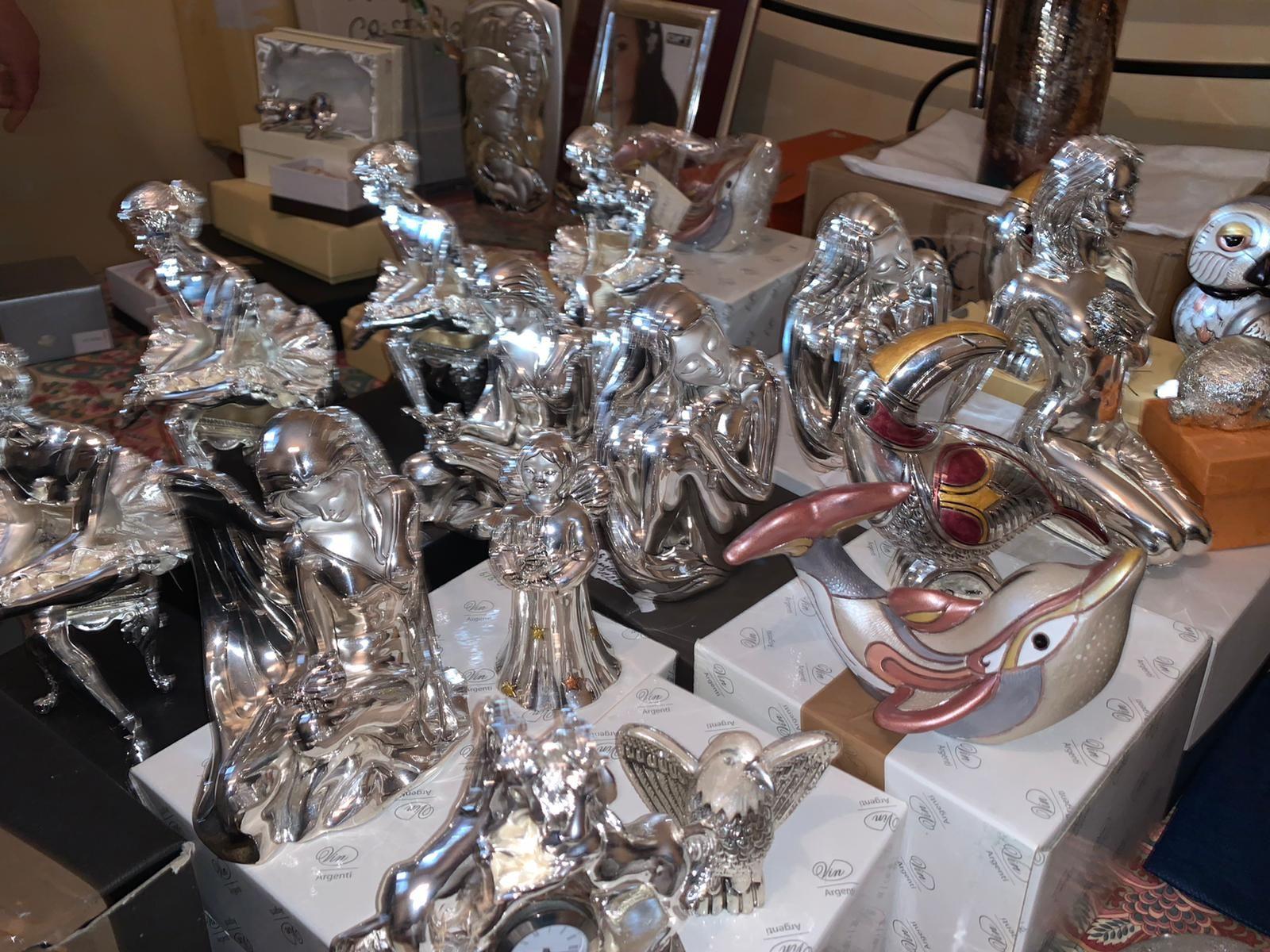 Vendo articoli di asta laminato argento