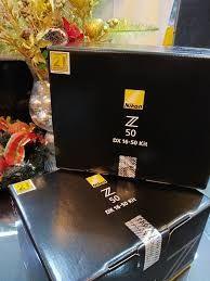 Nikon Z50 con obiettivo VR 16-50mm