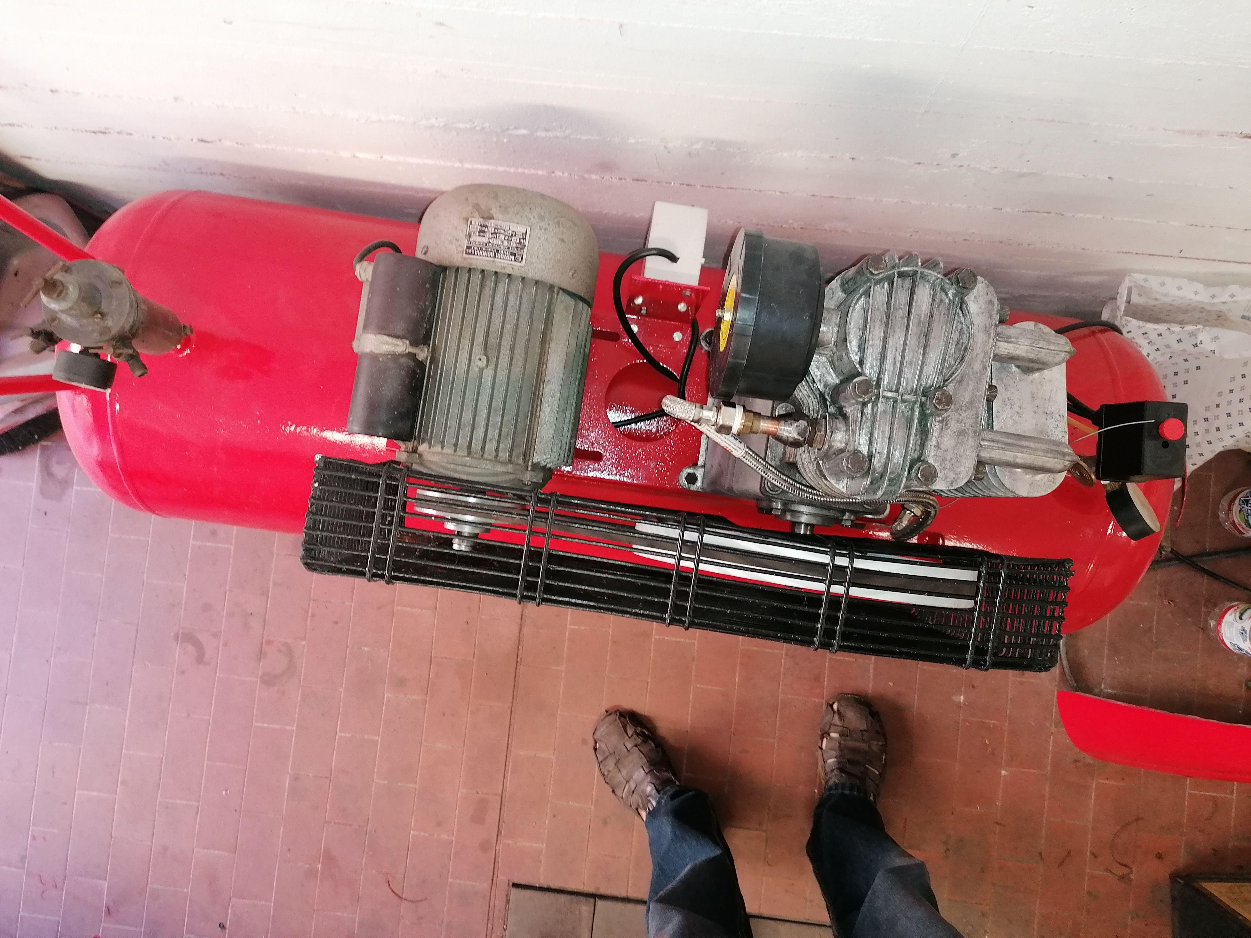 Compressore aria 200 lt  Restaurato  monofase 220