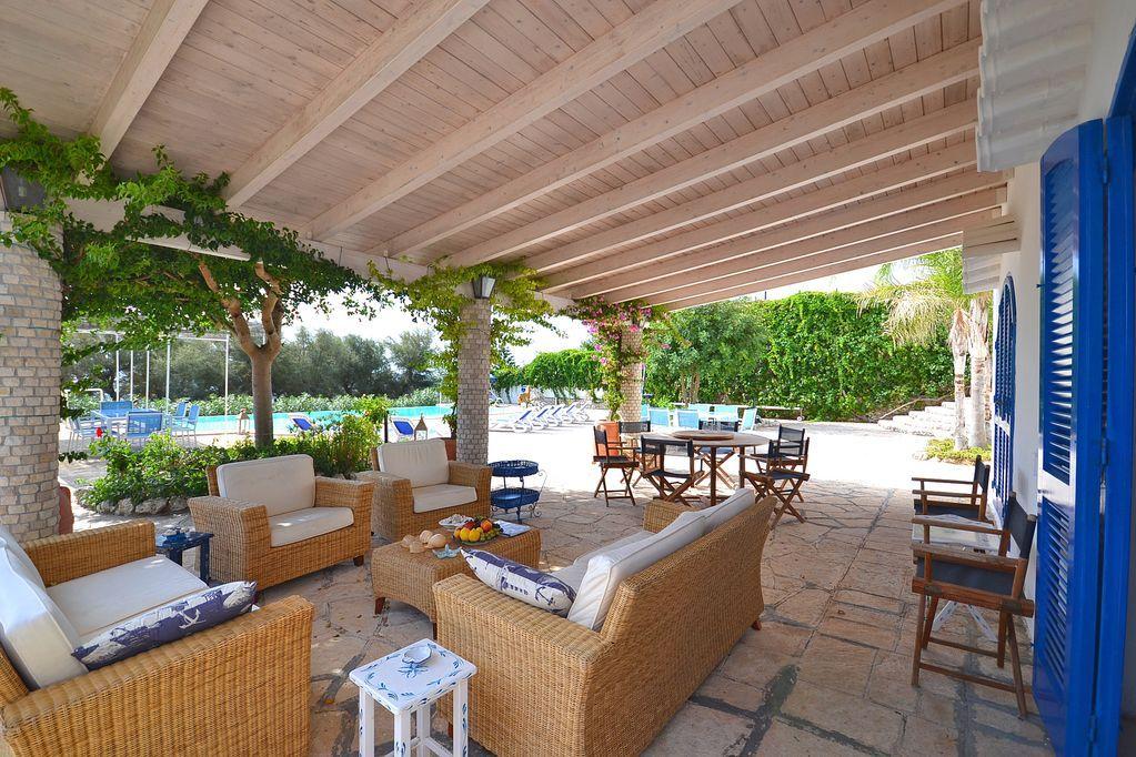 Stupendo Amazing 5 bedroom Villa in Castro Puglia