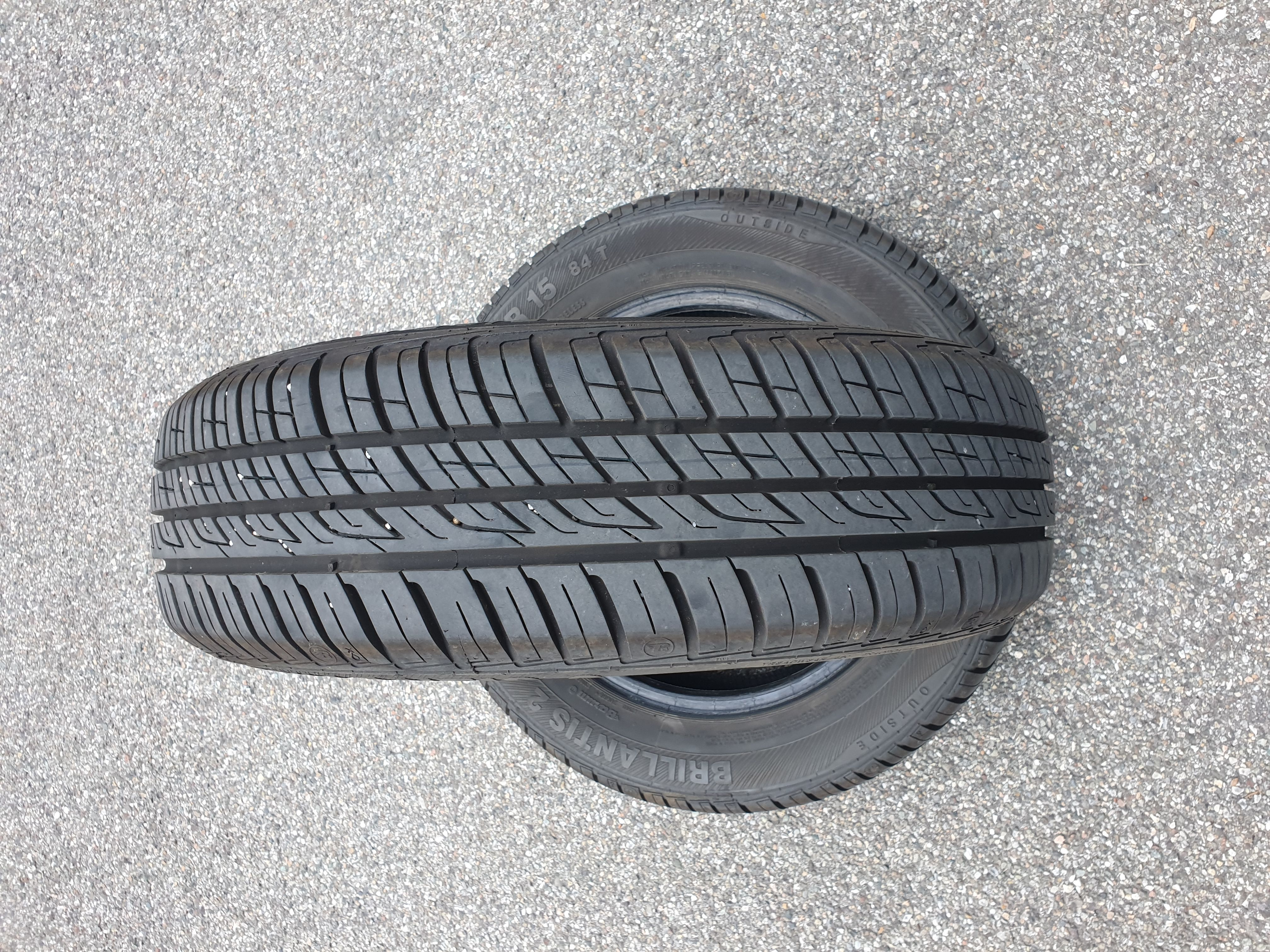 2 Gomme semi nuove