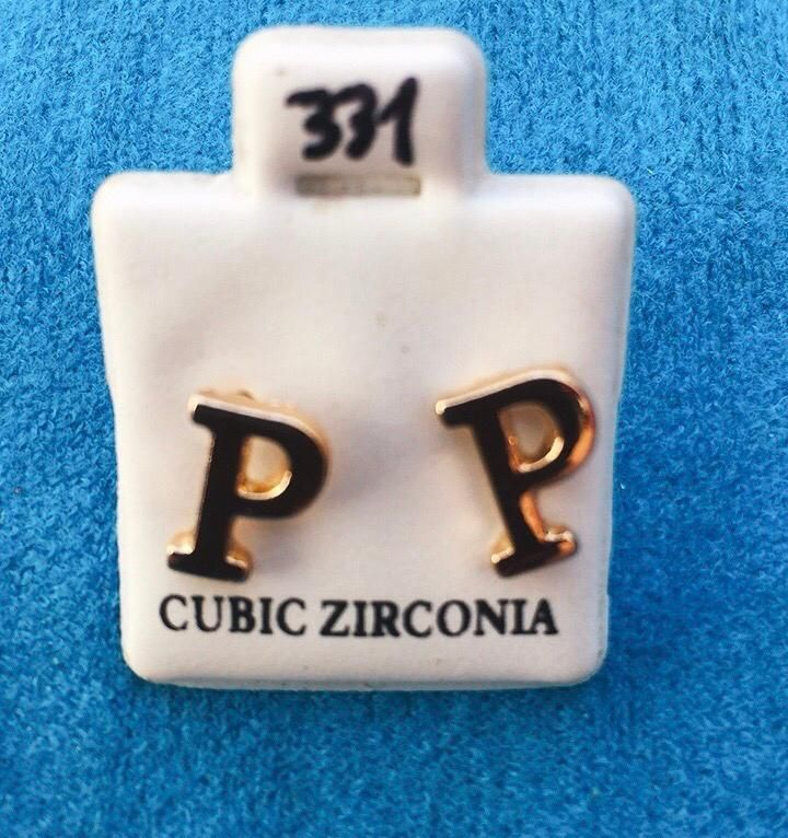 Coppia Orecchini Lettera P CZ331