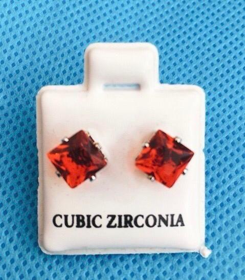 Coppia Orecchini Cristallo Rosso CZ39
