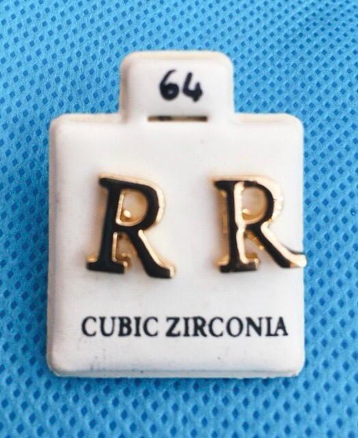 Coppia Orecchini Lettere R CZ64