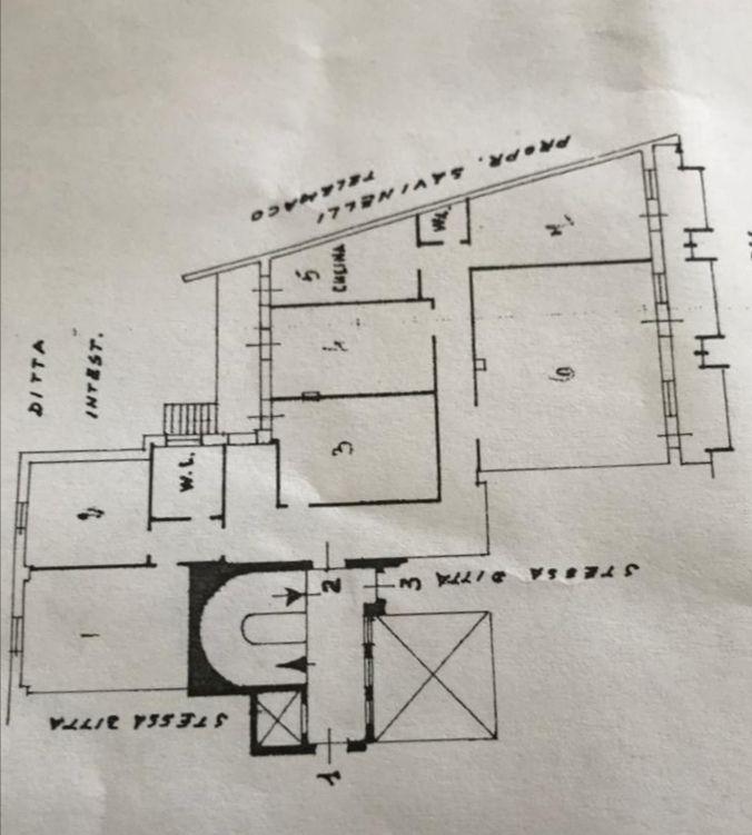 Interessante 7 vani con terrazzo e 2 box a Lecce