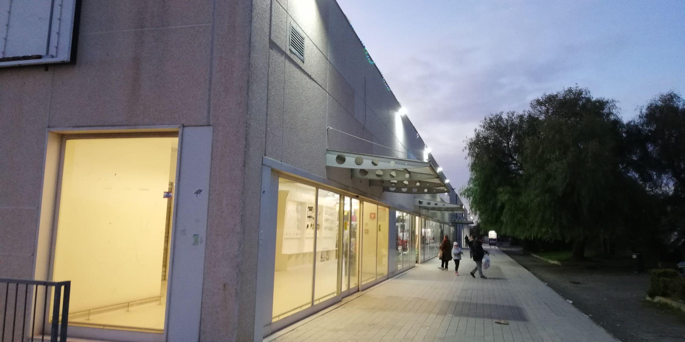 Locale commerciale in affitto a Lecce