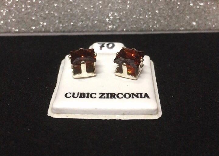 Orecchini Cristalli Rossi CZ070