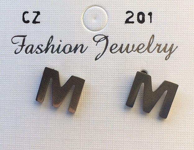 Orecchini Lettere M CZ201