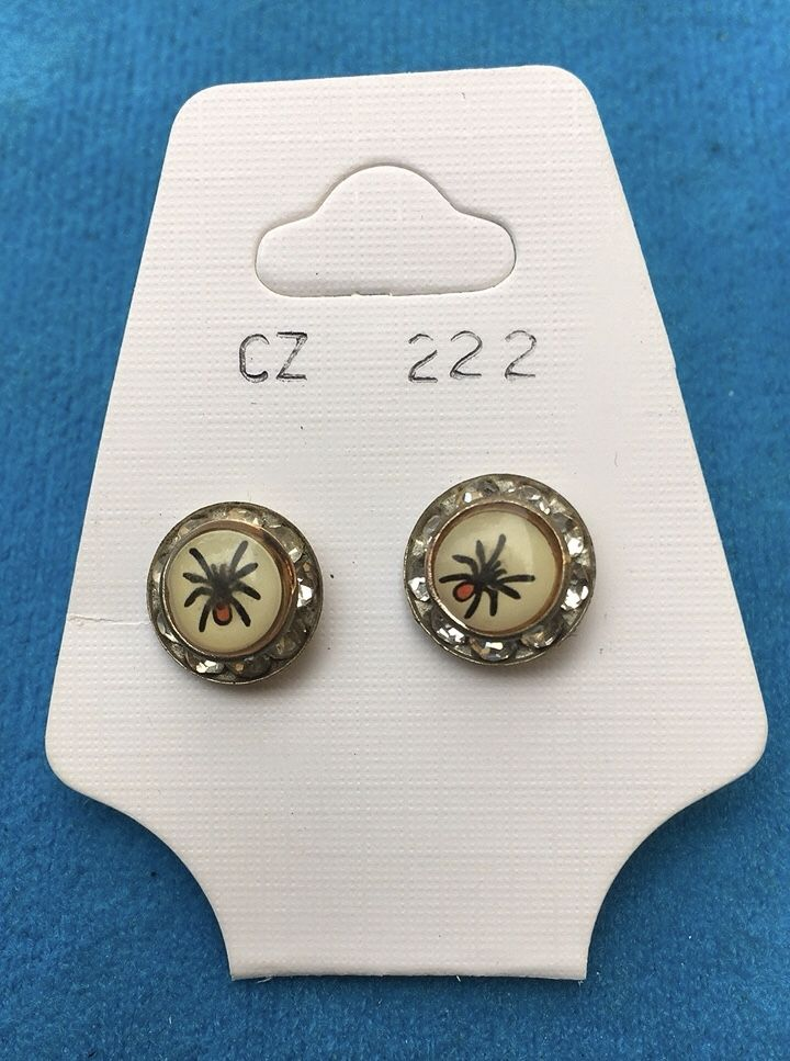 Orecchini Bottone Ragno CZ222