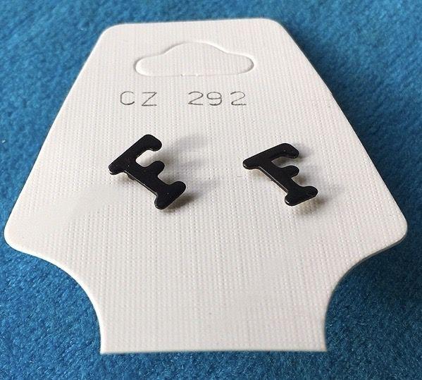 Orecchini Lettere F CZ292