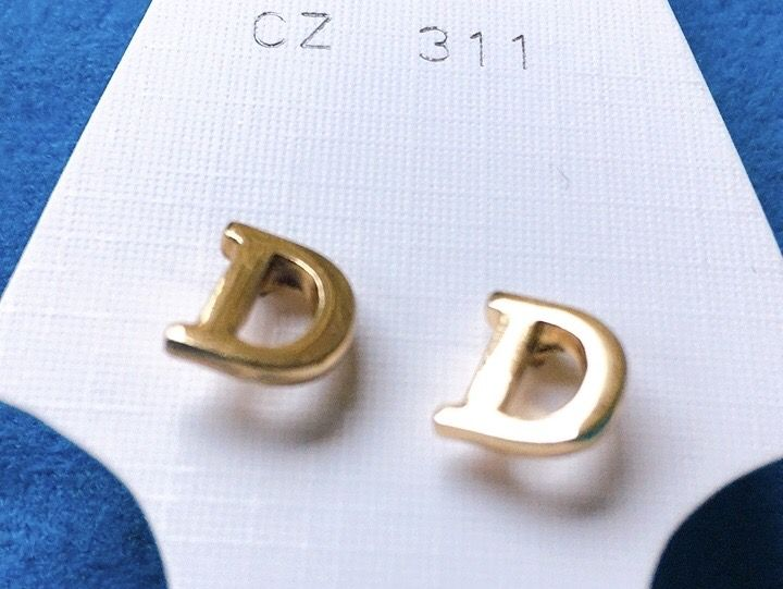 Orecchini Lettere D CZ311