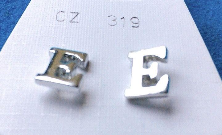 Orecchini Lettere E CZ319