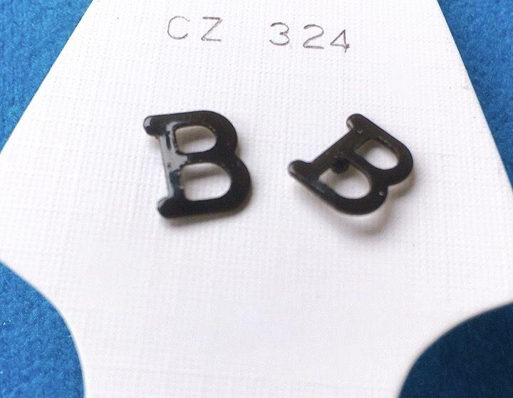 Orecchini Lettere B CZ324