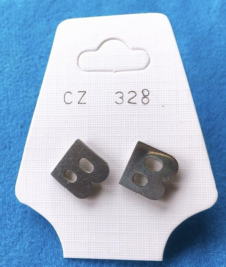 Orecchini Lettere B CZ328
