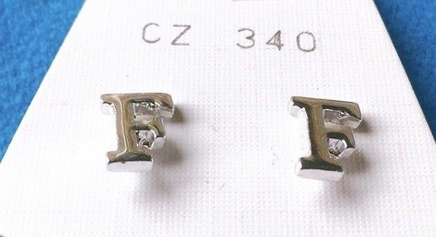 Orecchini Lettere F CZ340