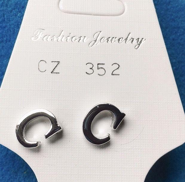 Orecchini Lettere C CZ352