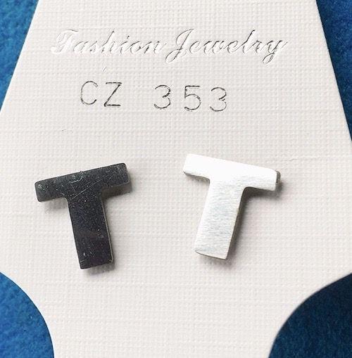 Orecchini Lettere T CZ353