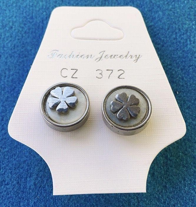 Orecchini Bottone Fiori CZ372