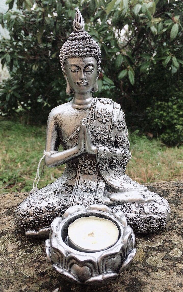 Statua Buddha con Portalumino 0124
