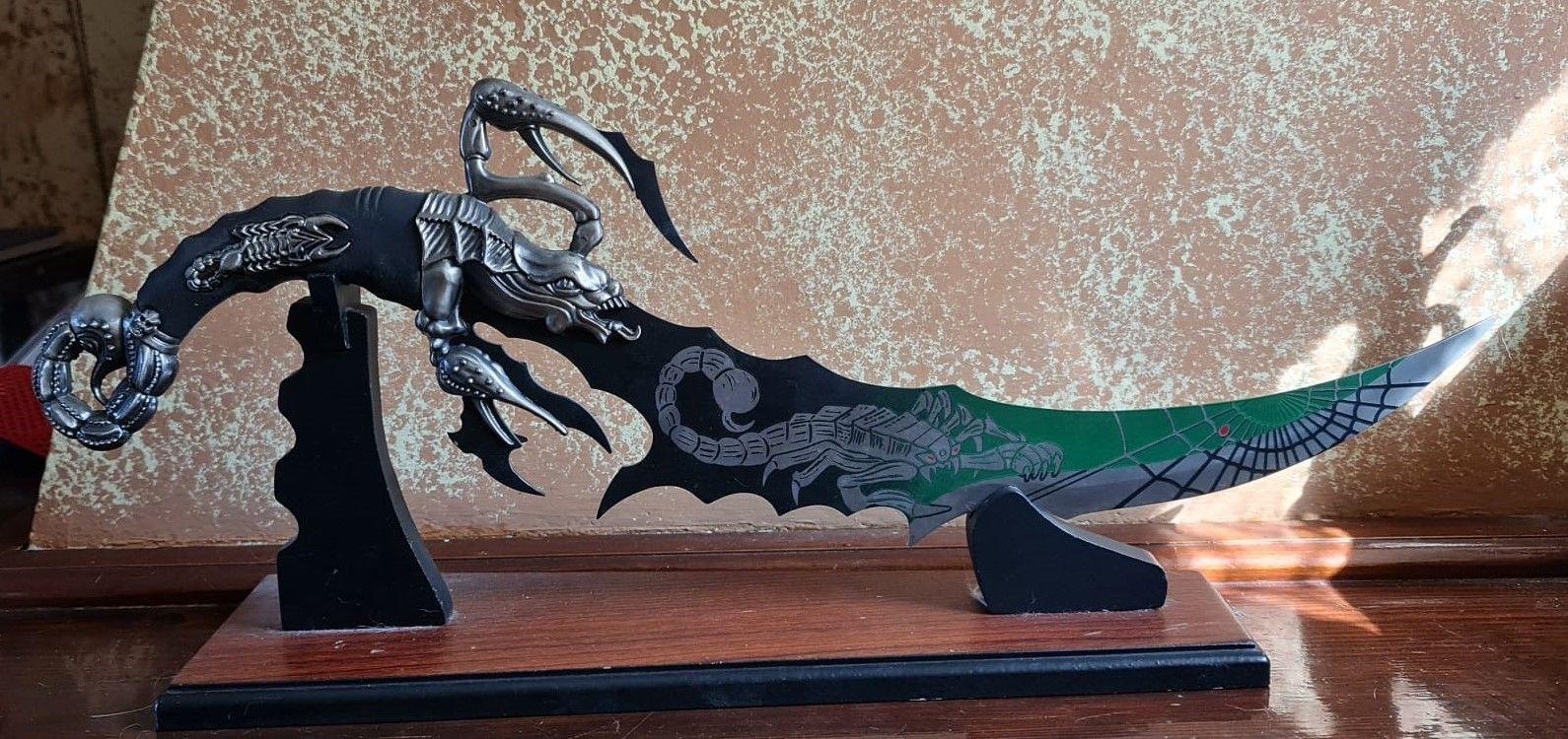 Coltello Fantasy Scorpione LIBERA VENDITA