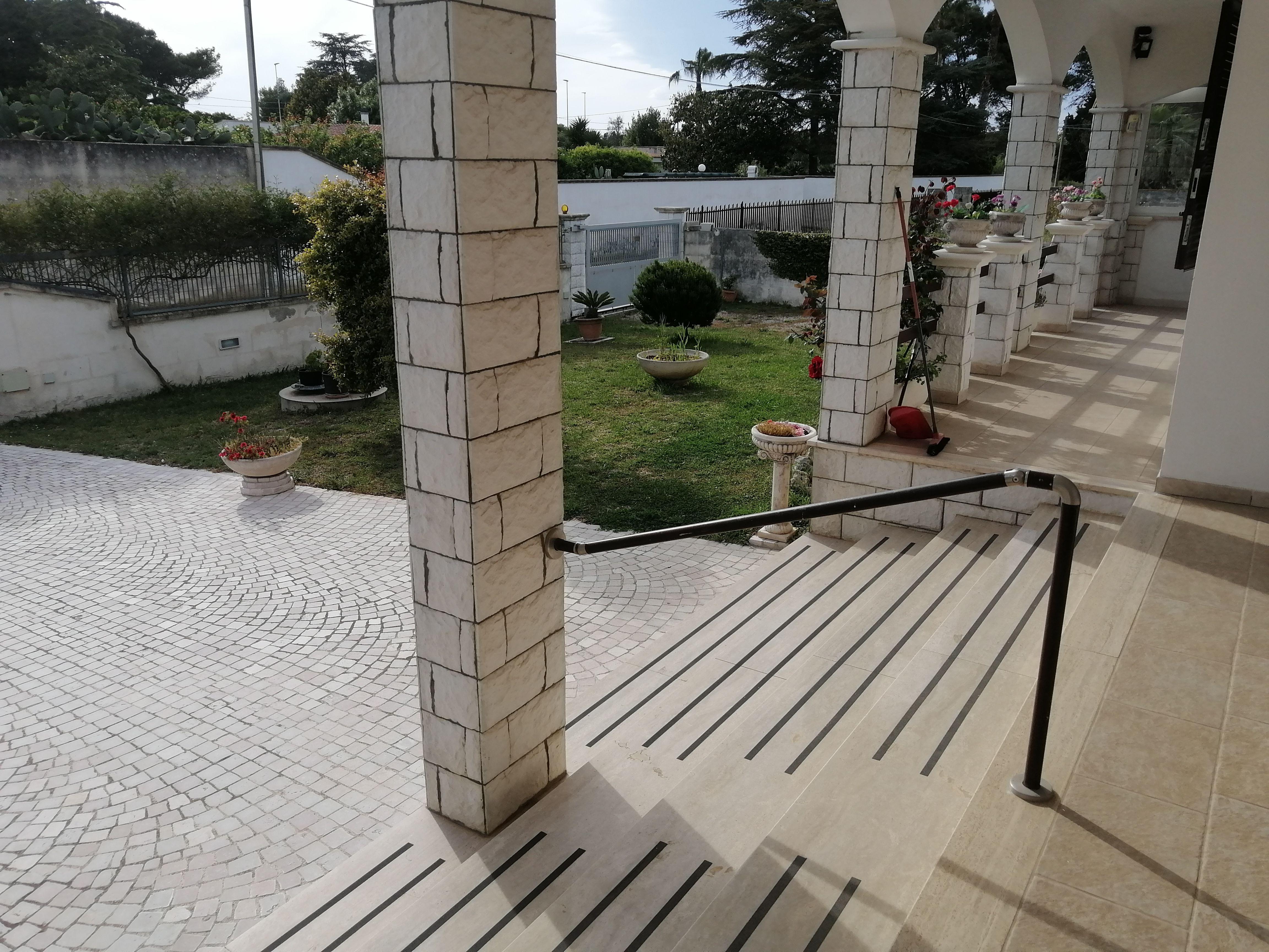 in vendita a Lecce villa di recente costruzione