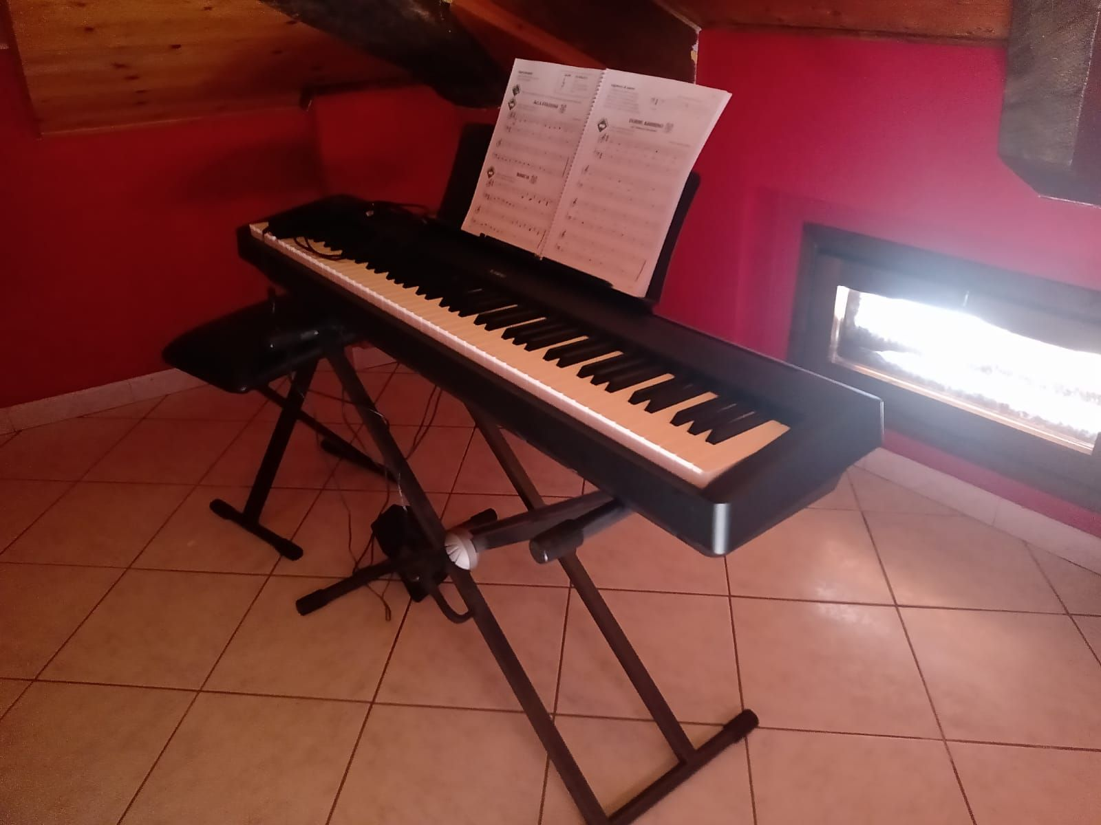 Vendo pianoforte Kawai es 110