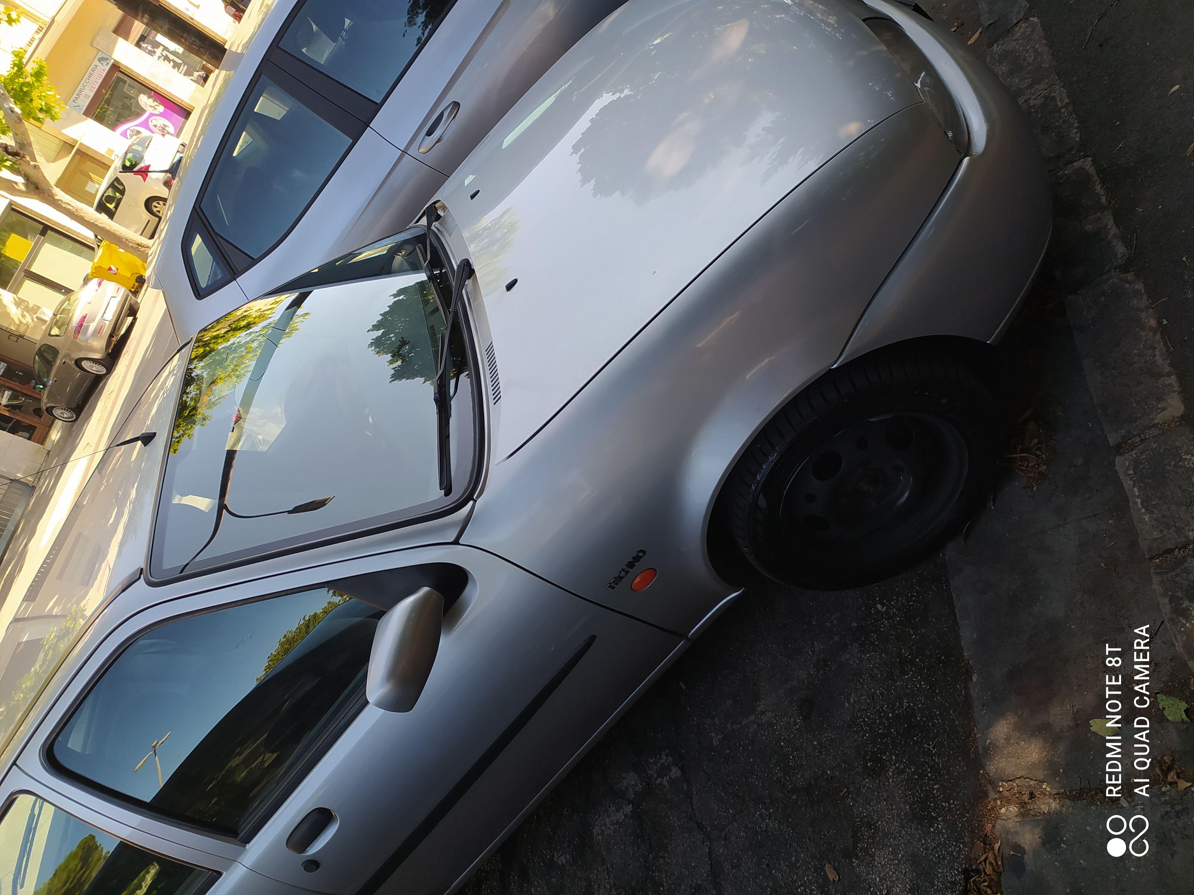 Vendo Ford Fiesta 16 v motore zetec cilindrata1200