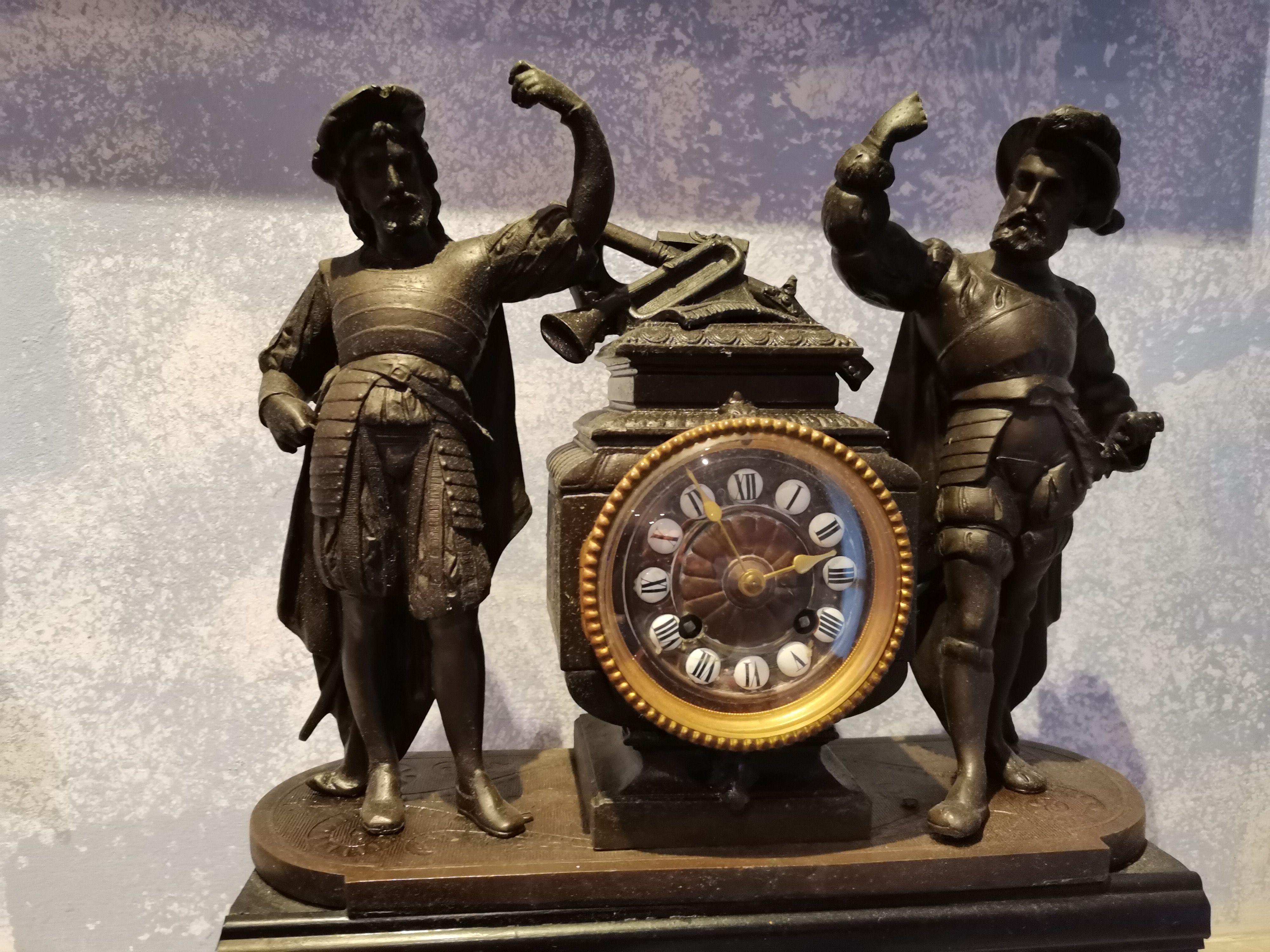 Orologio manuale in bronzo XVII  secolo